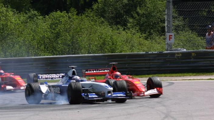 VIDÉO : Autriche 2001, Montoya mène la vie dure à Schumacher