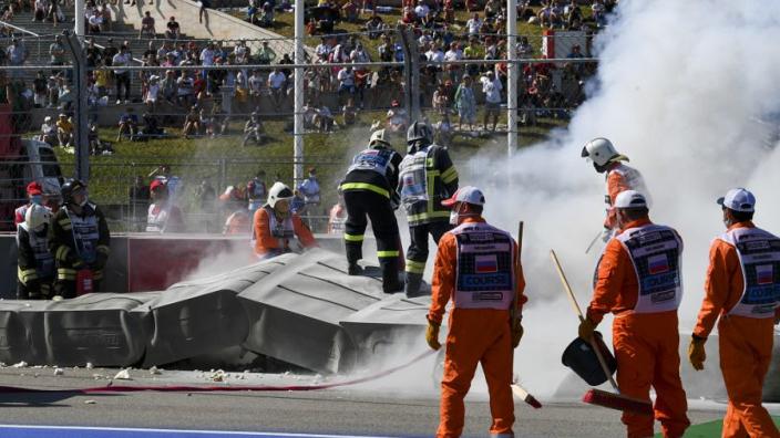 Formule 2-race per direct beëindigd na horrorcrash Ghiotto en Aitken