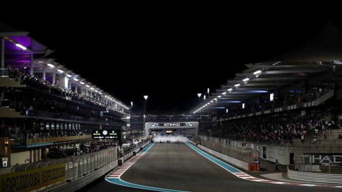 Formule 1 herintroduceert fysieke finishvlag na blunder Japan