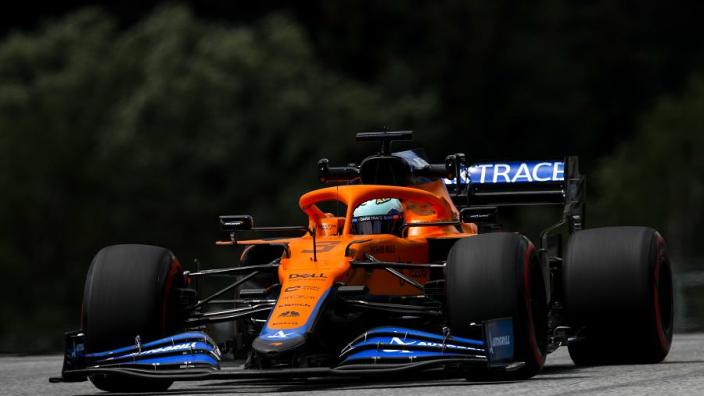"""Ricciardo: """"Mijn natuurlijke rijstijl lijkt niet bij de auto te passen"""""""