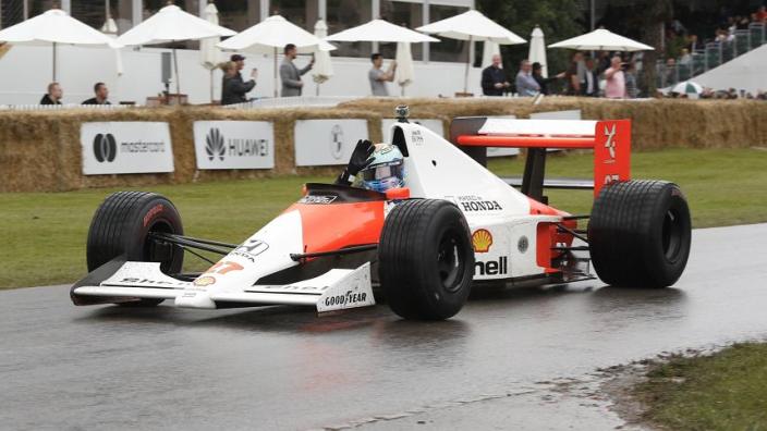 Ricciardo rijdt in Senna-auto, Verstappen belooft spektakel | Social Wall