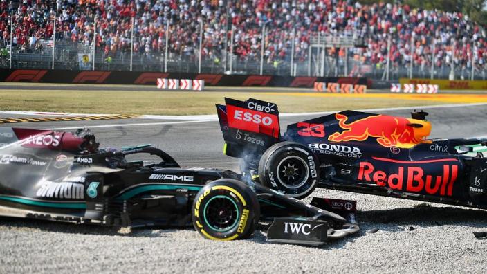 Deze schade liep auto Hamilton op na crash met Verstappen