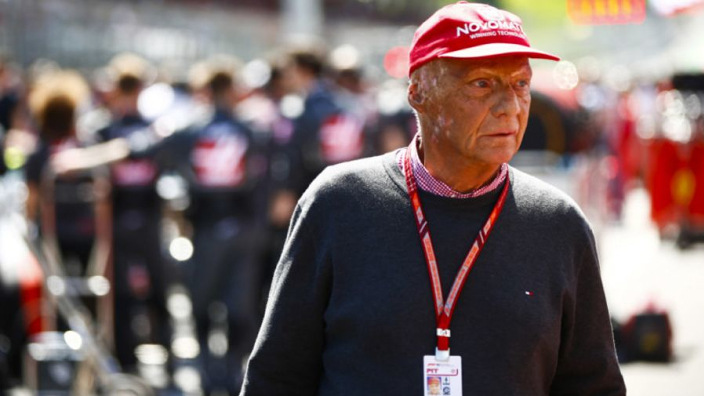 Bernie Ecclestone: 'Lauda keert zeer binnenkort al terug in paddock'