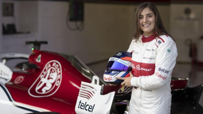 Tatiana Calderon blijft aan als reservecoureur voor Alfa Romeo
