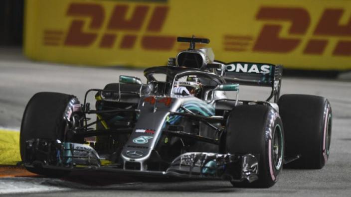 Lewis Hamilton: 'De auto voelt beter aan dan eerder'
