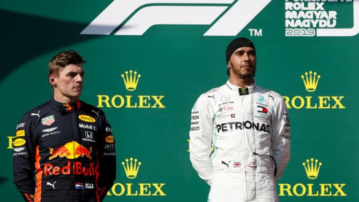 """Verstappen over rivaliteit met Hamilton: """"We respecteren elkaar"""""""