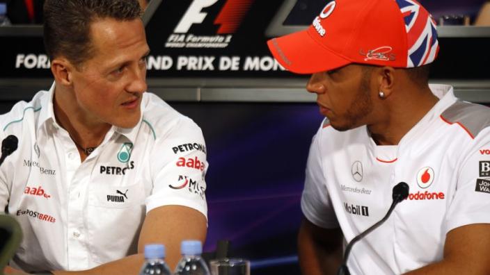 """Schumacher heeft record te danken aan contract: """"Hamilton daarom beter"""""""