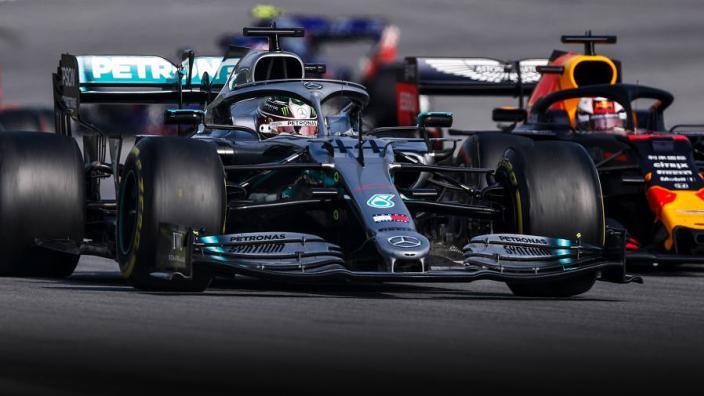 Red Bull wijst startplek aan voor Hamilton en Mercedes | Social Wall #78