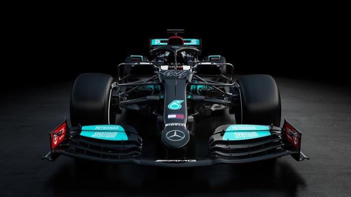 Mercedes heeft krachtbron verbeterd en aantal nieuwe innovaties op de W12 gezet