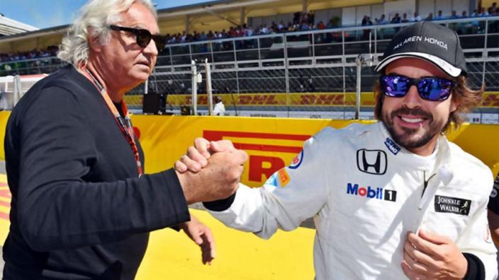 Briatore: ''Alonso wil alleen terugkeren in F1 bij Ferrari, Mercedes of Red Bull''