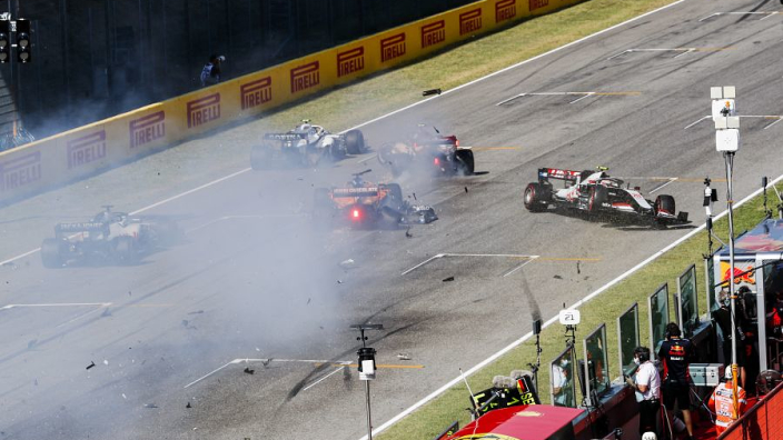 Twelve drivers warned for causing safety car restart pile-up