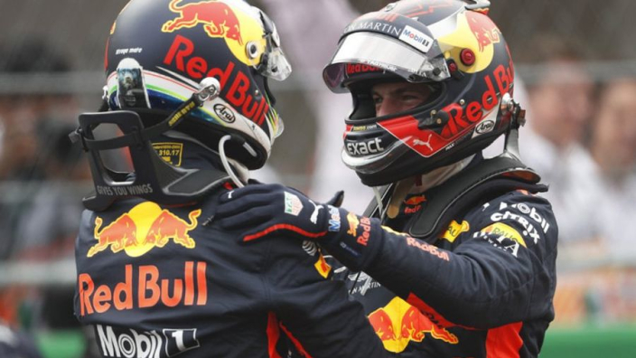 Ricciardo snatches pole from Verstappen in Mexico
