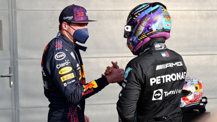"""Verstappen: """"Hamilton is geen smerige coureur"""""""