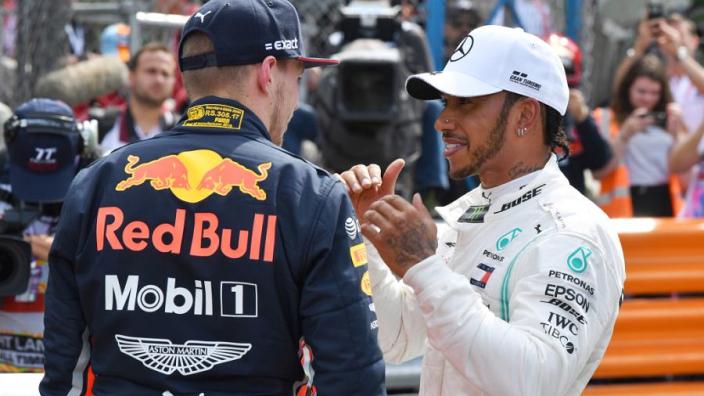 """Verstappen begrijpt niets van Hamilton en Grosjean: """"Slaat totaal nergens op"""""""