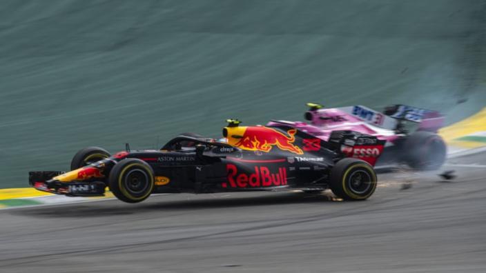"""Villeneuve over incident met Verstappen: """"Het was een schande, belachelijk!"""""""