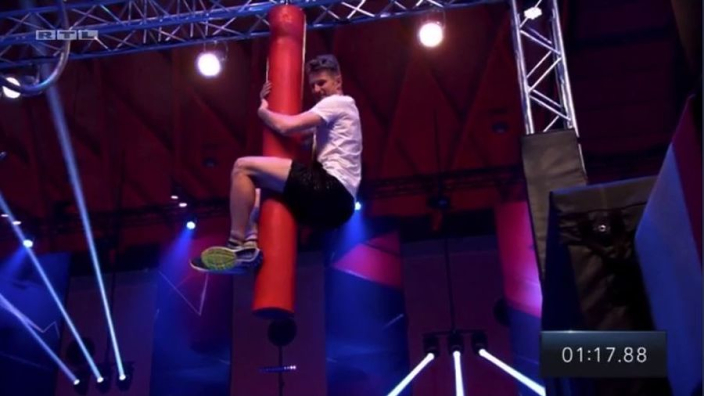 VIDEO: Hulkenberg takes on Ninja Warrior!