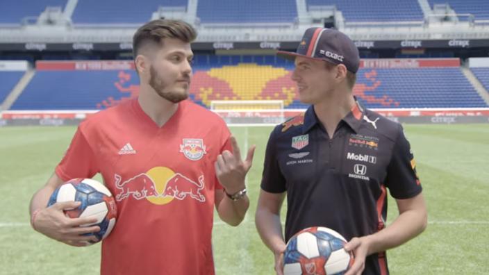 VIDÉO : Le défi football de Max Verstappen