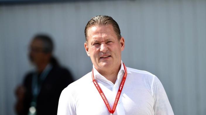 """Doornbos: """"Jos Verstappen tik op de vingers gehad van Red Bull"""""""