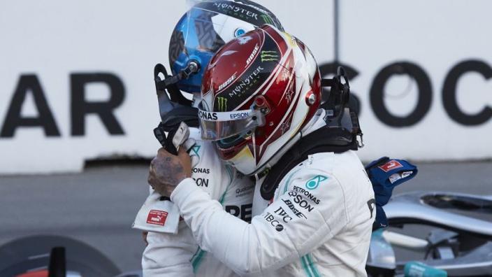 Rosberg waarschuwt Bottas voor Hamilton: 'Dan bijt hij als een terriër'