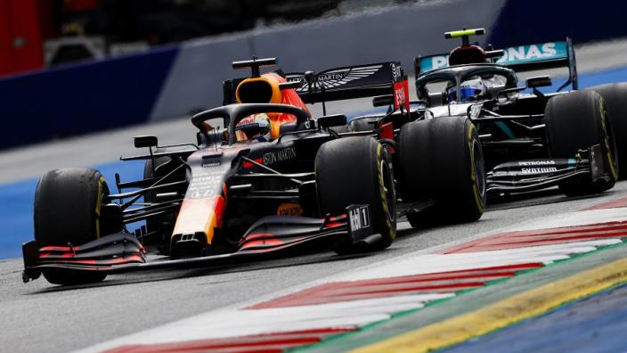 Verstappen vestigt geen hoop op regen: 'Mercedes is dominant'