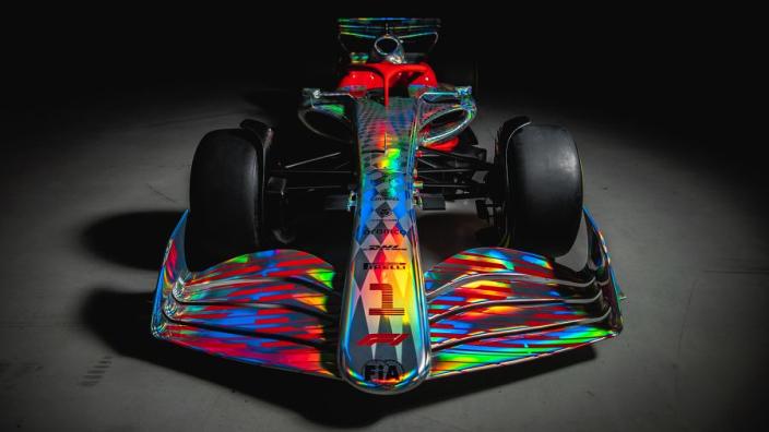IN BEELD: Formule 1 lanceert conceptversie 2022-bolide vanaf Silverstone