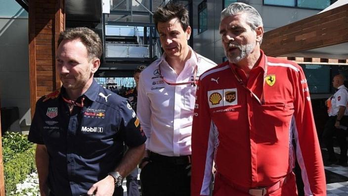 """Horner erkent opmars Red Bull: """"Mercedes en Ferrari zien ons als een bedreiging"""""""