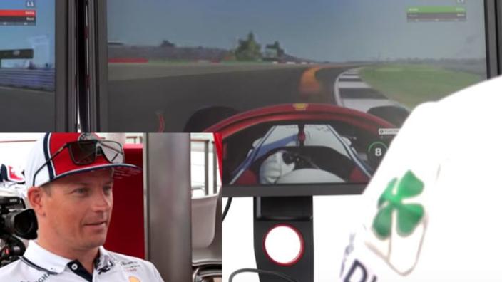 VIDEO: HAHA! Kimi Räikkönen heeft grote moeite met racegame!