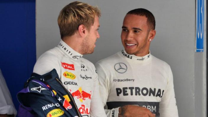 Hamilton over Indiase Grand Prix: 'Geld had ook naar scholen of huizen gekund'