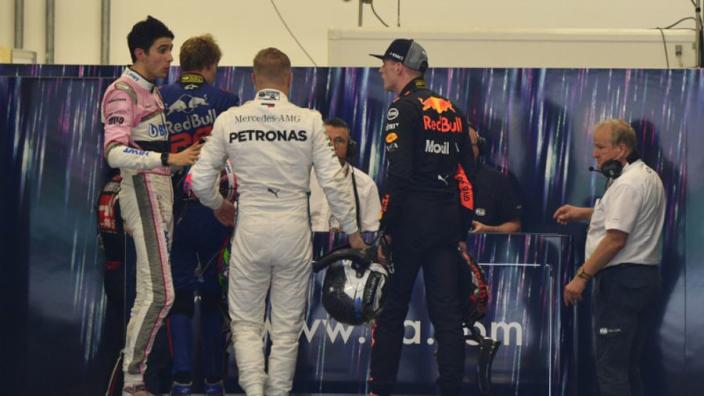 FIA bestraft Max Verstappen voor fysieke confrontatie met Ocon