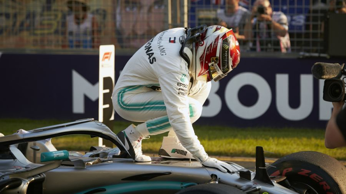 Hamilton snatches pole from Bottas in Australia
