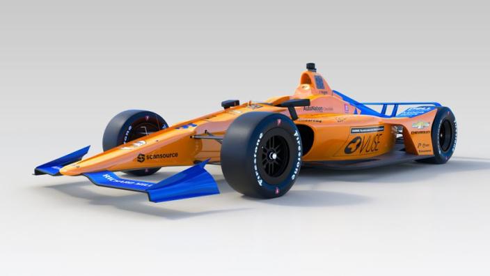 Alonso test IndyCar van McLaren: 'Het is weer even wennen'