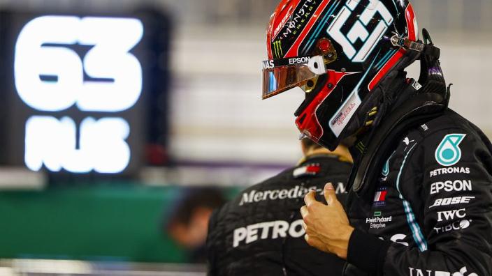 Russell over rijden voor Mercedes: 'Psychologisch is het alleen maar moeilijker'