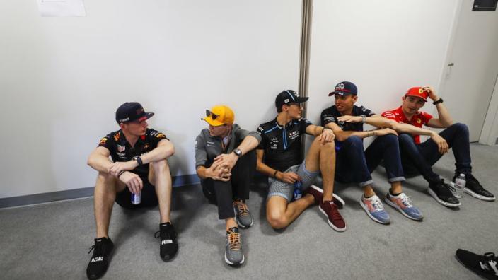 Russell haalt virtuele Formule 1-wereldtitel binnen