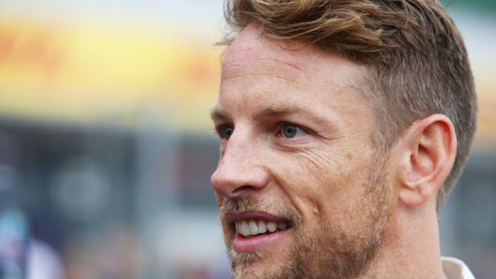 """Button reageert op Jorda: """"Je helpt de vrouwelijke coureurs niet met deze uitspraken"""""""