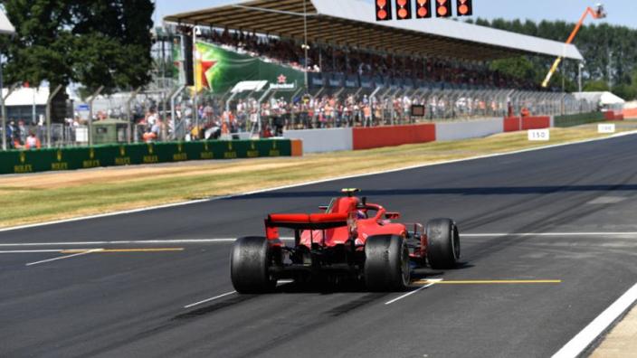 Silverstone krijgt wéér nieuwe asfaltlaag
