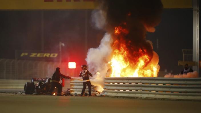 Grosjean houdt lichte brandwonden en mogelijk gebroken rib over aan horrorcrash