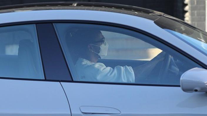 Hamilton in elektrische Porsche Taycan Turbo S gespot