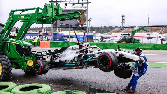 """Mercedes neemt zichzelf in de zeik: """"Hopen dat deze aflevering minder dramatisch wordt"""""""