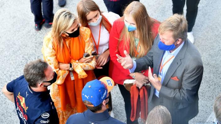 Koning Willem-Alexander lovend over Nederlandse F1-fans: 'Dat is een felicitatie waardig'