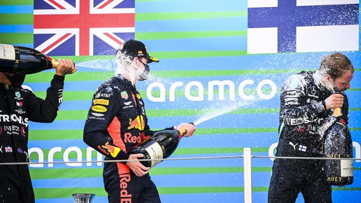 F1 Power Rankings: Hamilton en Verstappen nek aan nek