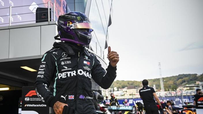 """Hamilton teleurgesteld na tijdstraf: """"Ik neem de punten mee en ga door"""""""