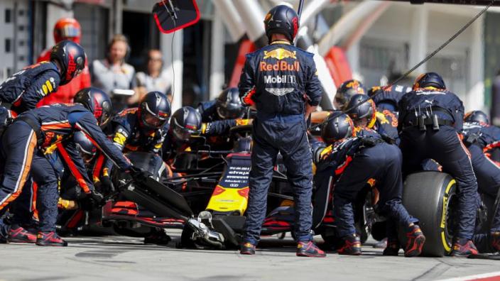 """Verstappen over pitstops Red Bull: """"Het is waanzinnig"""""""
