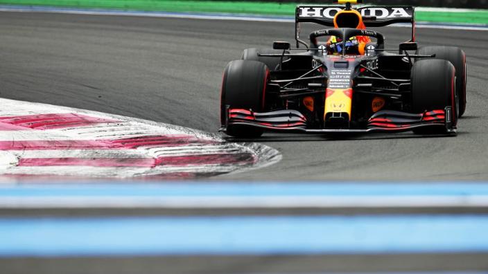 """Verstappen pareert uitspraken Hamilton: """"Duidelijk dat we minder downforce hebben"""""""