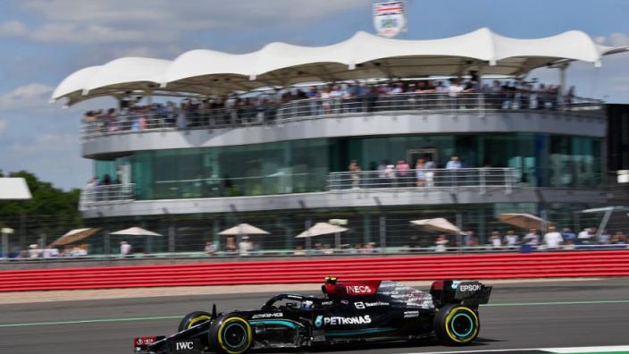 """Bottas opgeofferd door Mercedes voor snelste tijd Hamilton: """"We zijn een team"""""""