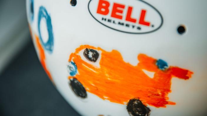 Dit is de speciale helm van Lando Norris voor de Grand Prix van Groot-Brittannië