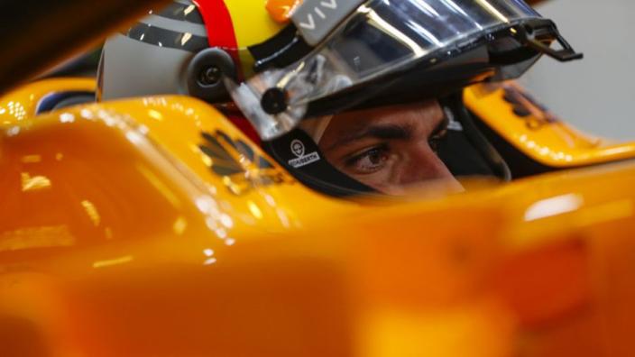 Sainz maakt kennis met McLaren: 'Heb van iedere ronde genoten'