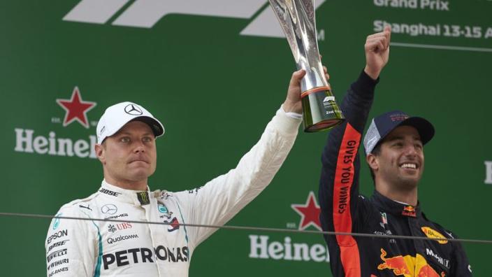 Mercedes: 'Ricciardo laten schieten voor Bottas'