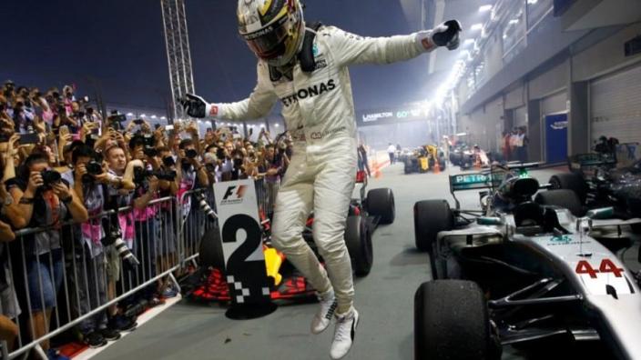 Hamilton over de actie van Vettel: 'Hij kon Verstappen en Kimi misschien niet zien'