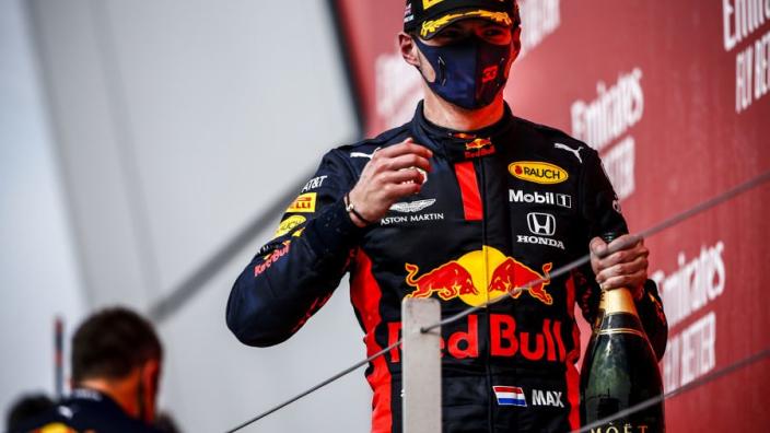 """Coronel: """"Red Bull hijgt steeds meer in de nek van Mercedes"""""""
