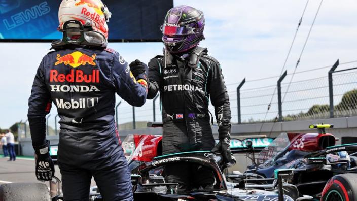 """Rosberg geniet van strijd tussen Hamilton en Verstappen: """"Ik ben de grootste fan"""""""